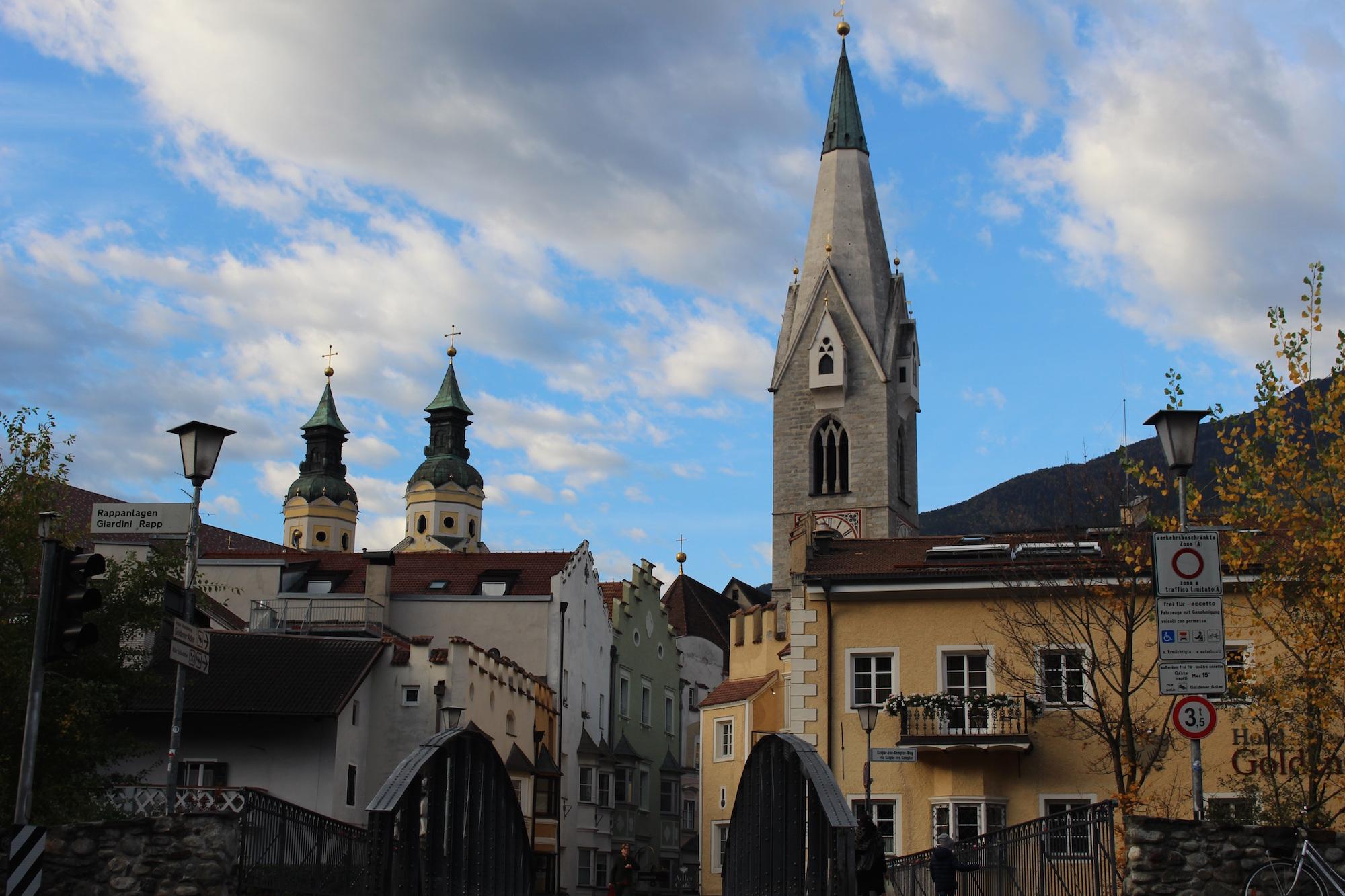 Trentino Alto Adige Artigianato mercatino di natale di bressanone, all'insegna dell